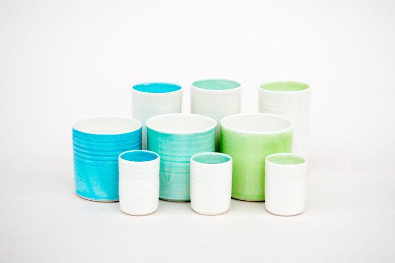 Handgefertigte Becher aus Porzellan